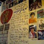 豚肉食堂&喫茶 mojo smokin' - mojo smokin' 店内・壁には手書きのメッセージ♪