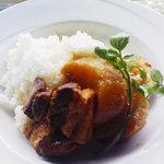 イルカッフェ - 大根ト豚ノ角煮丼しょうがトはちみつ仕込み←メニューの表記ママです(^^)