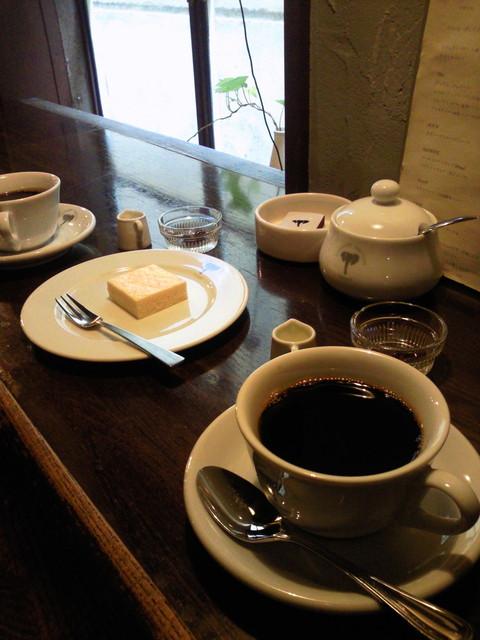 ELEPHANT FACTORY COFFEE - 珈琲&自家製ミニチーズケーキ♪