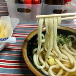 上杉食品 - 多分…角のある硬コシ麺
