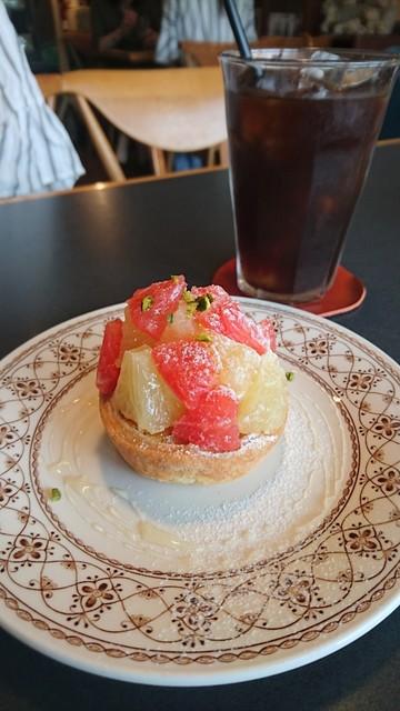 Cafe Crema - グレープフルーツのタルト