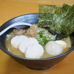 麺屋 一布 - 料理写真:濃厚醤油白湯ラーメン(全部のせ)