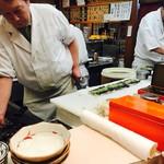 三是寿司 - なみだ巻き製作中