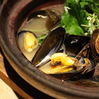 7月の厳選食材★モンサンミッシェル産ムール貝の紹興酒蒸し!!