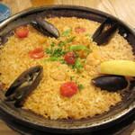 La Pesquera -MARISQUERIA- - 小海老とムール貝のパエージャ 1100円
