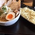 69615850 - 炒め野菜つけ麺・味噌味、チャーシュートッピング