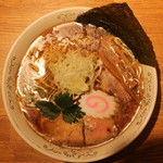 神田 勝本 - 清湯(しょうゆ)そば(730円、真上から)