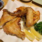 うえ山 - 料理写真:鶏の素揚げ ムネ、モモのセット(1400円)
