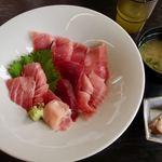 宮本商店 - 料理写真:生本マグロ+大トロ丼 2000円 → 1500円(税込)
