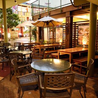 ◆テラス席◆全40席のオープンエアーのテーブル席をご用意♪