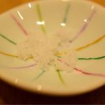 蕎麦きり はるきや - お塩。天ぷらに。