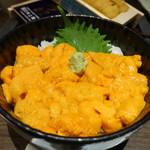 函館うに むらかみ - 利尻礼文の無添加塩水バフンウニ丼(写真は見栄え優先で順不同、食べた順番ではありません)