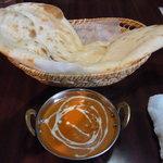 サルガム - バターチキンカレーはコクがあってとっても美味しい