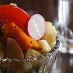 慈雨 - 十数種類の野菜たちが、ピクルスや「、生や、ソテーで出されます(2017.6.12)