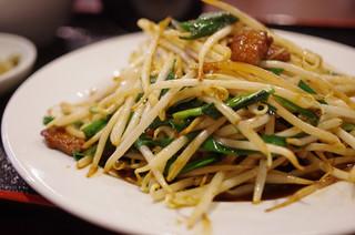 銀香園 - レバーニラ炒め