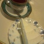 Ondhinu - レアチーズケーキセット、紅茶。