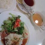 6964621 - ハンバーグセット(和風おろし)(紅茶)。