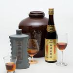 中国料理 翡翠宮 - ドリンク写真:紹興酒も各種取り揃えております。