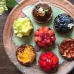 Gallery & Cafe ENSOU - 季節のフルーツをふんだんに使用したタルト