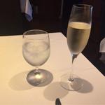 69652870 - シャンパン