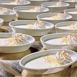 ル・ジャルダン・デュ・ソレイユ - ココナッツムース@ローストされたココナッツファインが香りと食感を加えます。とろっとクリーミーなココナッツムース