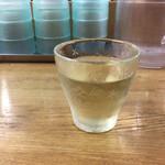 鰺家 - チョイ飲みセットのワイン