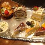 エスタシオン カフェ - ケーキのサンプル