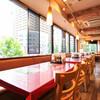 レストラン せんごく - 内観写真:大きな窓の明るい店内