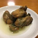 つりや - 瓶詰の「牡蠣の燻製オイル漬け」918円