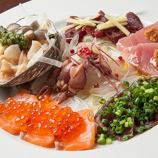 北海道の各漁港から届いた新鮮な鮮魚のカルパッチヨ