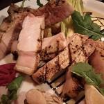 農家の野菜×創作料理 101 - 菜の花うましポーク骨付きロースのグリル1900円
