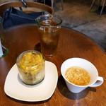 69664460 - サラダとスープ