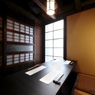 プライベート感溢れる個室は、まさに大人の隠れ家