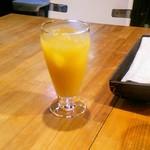 カトマンドゥ - セットのドリンクはオレンジジュースにしました