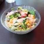 カフェタイム - サラダ付き