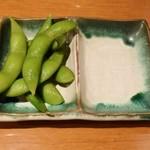 一八寿し - 付きだしの枝豆