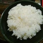 和助 - デフォで大盛の白飯