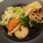 Yuukyushanhai - 野菜と海鮮の炒め物・・塩味ベースです.