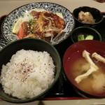 おかん - カレイ唐揚げ定食930円