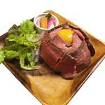 肉バル×ダイニング sai-ton - 料理写真:ローストビーフ丼
