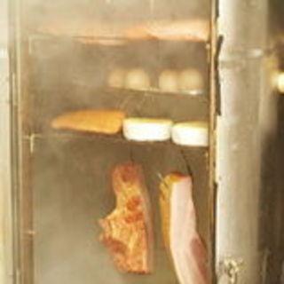 ★自家製の燻製料理を是非、ご賞味ください★