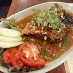 スイート バジル - 揚げ魚のあんかけニンニク唐辛子風味