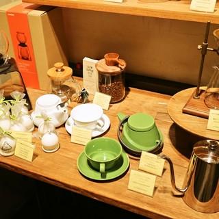 コーヒーや雑貨も充実☆