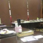中華菜館 水蓮月 - 奥にサラダバーが
