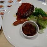 ジョナサン - ハンバーグトマトソースとソーセージ&野菜カレー