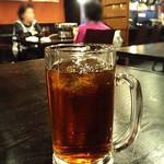 けむり屋 牛力 - ジョッキ入りの冷たいお茶