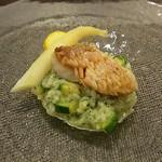 イタリアンレストラン Zucca - 甘鯛のウロコ焼き ズッキーニと大葉のリゾット添え