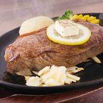 ステーキとハンバーグのさる~ん - 料理写真:希少なのに厚切の贅沢
