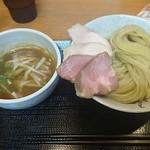つけ麺 舞 - つけ麺 780円+大盛り 100円+特製トッピング 200円