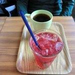 コーヒープリンス2号店 - ラズベリージュース、ブレンドコーヒー